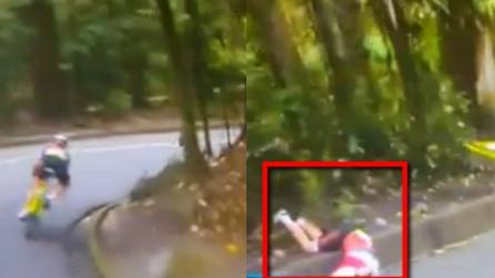 Rio 2016, terribile caduta per la ciclista olandese Van Vleuten: esce di strada e batte la testa
