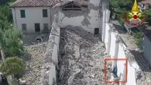 Terremoto Amatrice, la statua della Madonna resiste al sisma