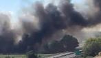 Casalnuovo, nuovo incendio all'interno del campo rom