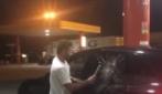Iannone rimane chiuso fuori dall'auto e… spacca il finestrino