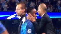 Il bacio di Guardiola a Sterling dopo la sostituzione