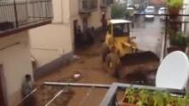 Maltempo, ruspe in azione per liberare le strade dal fango a San Marco in Lamis