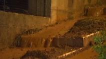 Nubifragio sul Gargano, le strade allagate trascinano fango e detriti