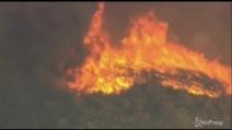 Vasto incendio in California, evacuate 30 abitazioni