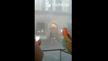 Tromba d'aria a Firenze, grandine e vento forte investono il centro
