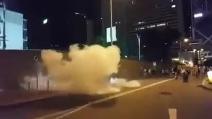 Hong Kong, la polizia carica i manifestanti di #occupaycentral