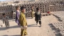 La difficile infanzia dei bambini in Afghanistan