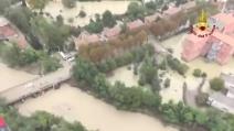 Parma sommersa dall'acqua: le immagini dall'elicottero dei Vigili del Fuoco