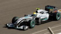 Rosberg in pole al Gp Giappone, atteso tifone a Suzuka