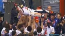 Marc Marquez vince il secondo mondiale: la festa con il box