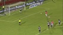 """Con un fantastico """"cucchiaio"""" su rigore, Riquelme trascina l'Argentinos in semifinale"""