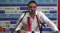 Lo show di Pozzecco : canta prima di lasciare la conferenza stampa