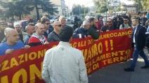Leopolda 2014: gli operai di Terni contestano Matteo Renzi