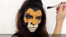 Ecco come dipingere la faccia del leone sul proprio volto
