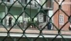 Foggia, il pallone finisce sul balcone e la signora lo restituisce