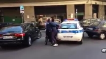 De Luca contro l'immigrato: caos a Salerno