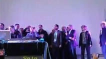 Piacenza, alla festa della zucca Salvini canta Vasco