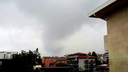 Maltempo, tromba d'aria si abbatte su Catania