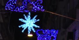 Napoli, la città si illumina per Natale