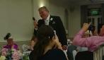 """Padre della sposa dedica l'emozionante """"Always on my mind"""" alla figlia"""