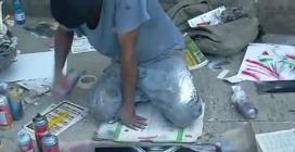 Roma, capolavoro con le bombolette spray di un artista di strada