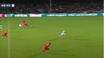 Il gol capolavoro di Hakim Ziyech: tunnel e da pallonetto a centrocampo