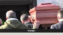 Ai funerali di Pino Daniele l'ultimo saluto dei fan e degli amici