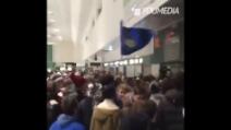 L'accoglienza dei tifosi dell'Inter per Shaqiri