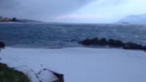 Neve a Messina: i fiocchi sulla spiaggia sullo Stretto