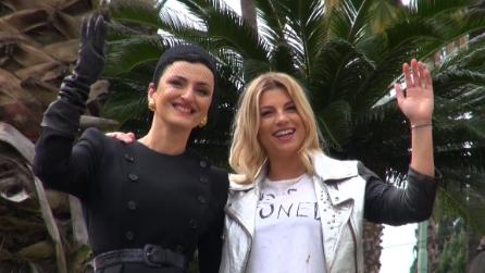 """Sanremo 2015, le """"vallette"""" Arisa e Emma: """"Speriamo di non cadere dalle scale"""""""