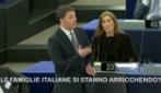 """Renzi: """"Le famiglie italiane si stanno arricchendo senza rendersene conto"""""""