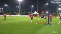 Lo spettacolare calcio tennis del Bayern Monaco: strepitosa rovesciata di Pepe Reina