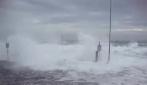 Gallipoli, le immagini dell'impressionante mareggiata