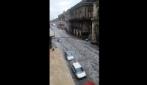 Il fiume al centro di Catania dopo la violenta grandinata