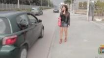 Castel Volturno: consigliere travestite da lucciole, trappola per gli automobilisti