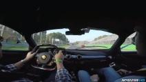 Un giro su LaFerrari sul circuito di Monza