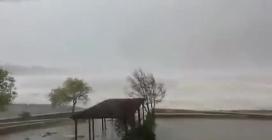 Piogge, forte vento e mareggiate, allagamenti a Sapri (Sa)