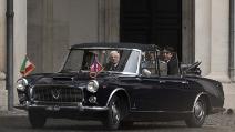 Mattarella e Renzi al Quirinale a bordo della Flaminia Cabriolet