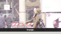 Milano s'imbianca, al Duomo scatta il selfie con la neve