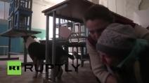 Ucraina, reporter registra l'attimo in cui un missile colpisce la mensa dei poveri a Lugansk