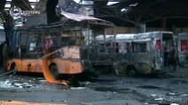 Donetsk, colpi di artiglieria contro la stazione dei bus: 4 morti