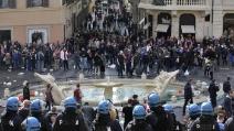 Tensioni a Roma tra polizia e ultras olandesi