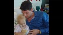 Il papà spia il figlio con la fidanzata in intimità: 4 anni di carcere