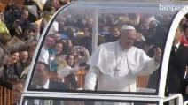 L'arrivo di Papa Francesco a Scampia