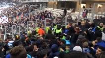 Marsiglia-Lione, i tifosi arrivano quasi a contatto nello stadio