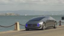 La Mercedes presenta l'auto che arriva dal futuro