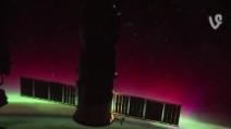 """Dall'Iss, Cristoforetti twitta il video """"L'aurora piena di colori danza dietro la nostra Soyuz"""""""