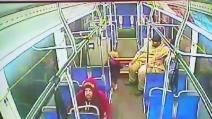 Philadelphia, bimba di 4 anni scappa di casa e prede l'autobus da sola