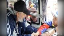 Cuba, Fidel Castro appare in pubblico dopo 5 anni