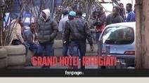 Altro che hotel di lusso, ecco come vivono davvero i richiedenti asilo in Italia